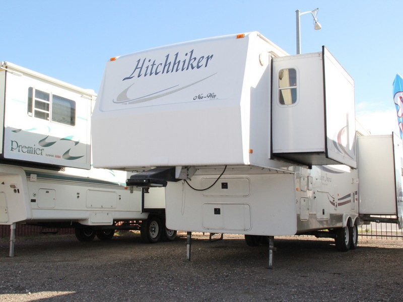 2004 30ft Nu-Wa Hitchhiker  Discover America 30LKTG Fifth Wheel
