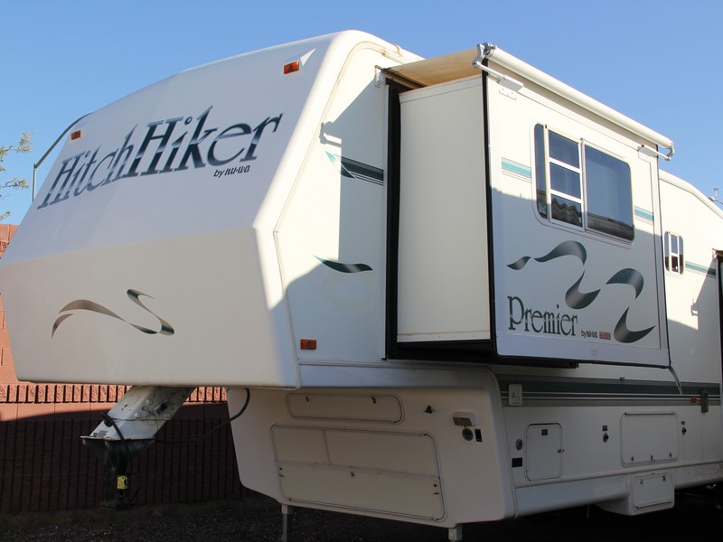 1996 35ft Nu-Wa Hitchhiker 35RKFD Fifth Wheel