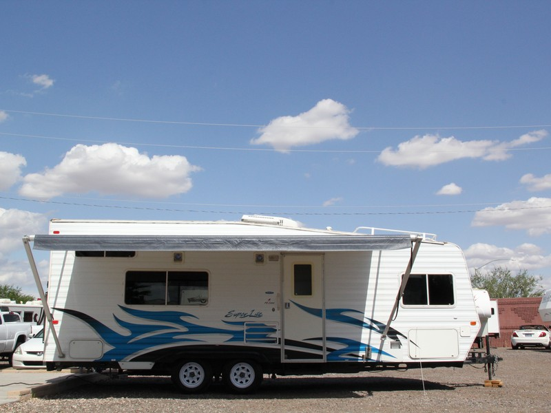 Weekend Warrior 2300fs 2006 28ft Toy Hauler Used