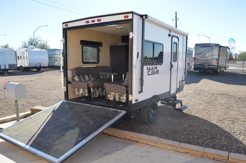 Man Cave Trailer : Dynamite man cave th m ft toy hauler used