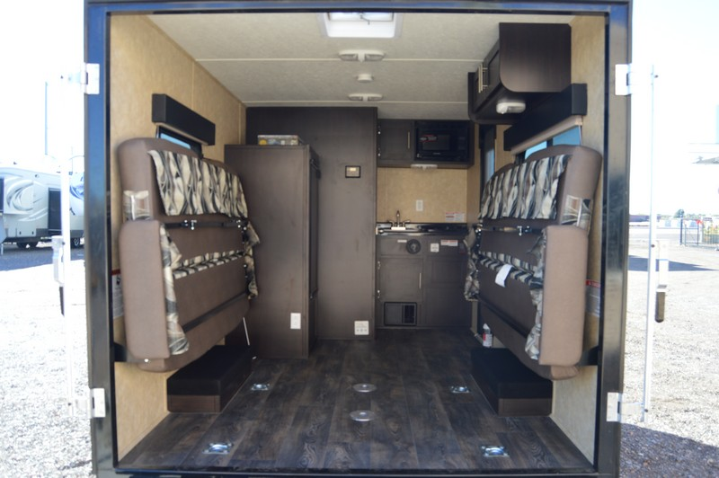 Dynamite Man Cave Th12m 2017 12ft Toy Hauler Used